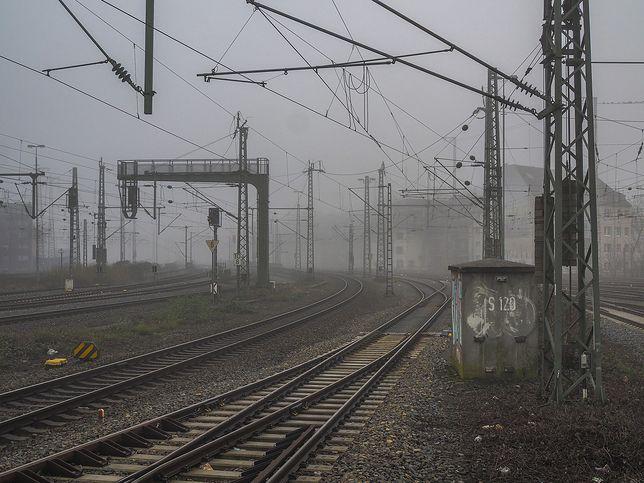 Ruda Śląska. Dwaj mężczyźni  skusili się na elementy trakcji kolejowej.