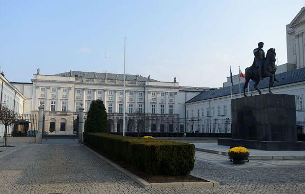 Gdzie jest prezydent Andrzej Duda? Poseł PiS: Pewnie pracuje w Pałacu