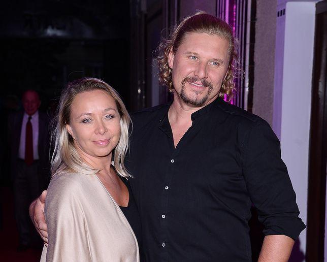 Andrzej Nejman z żoną Małgorzatą na premierze w Teatrze Kamienica
