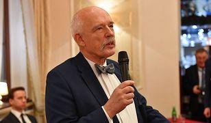 Janusz Korwin-Mikke chce likwidacji 500+. Sam korzysta z pieniędzy podatników