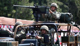 Tureccy żołnierze na paradzie na Cyprze, 20 lipca 2016 r. w rocznicę tureckiej inwazji na wyspę