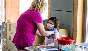 Od północy ruszają zapisy nastolatków na szczepienia. Jak się zarejestrować?