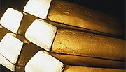 Analitycy: w drugim kwartale br. cena złota spadła o 25 proc.