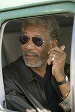 Morgan Freeman tresuje konia