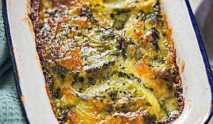 Zapiekanka ziemniaczana ze szpinakiem i łososiem. Duża porcja pyszności