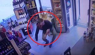 Gdańsk. Zuchwała kradzież w sklepie. Zabrał trzy butelki drogiego trunku
