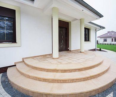 Wygodne schody zewnętrzne – jak i z czego je wykonać?