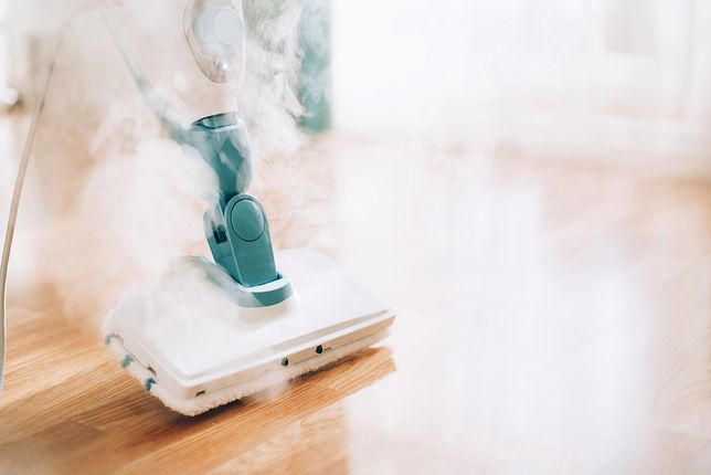 Nie potrzebujemy detergentów, by wyczyścić podłogę mopem parowym