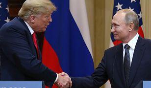 Prezydenci Donald Trump i Władimir Putin podczas spotkania w Helsinkach. Lipiec 2018 r.
