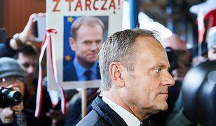 """""""W oczach anty pisowskich wyborców jawi się jako wybawiciel, który przybędzie na białym koniu"""""""