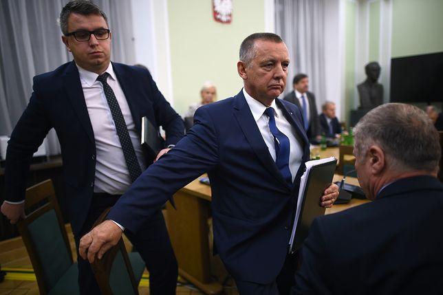 Mariusz Kamiński wezwany do ujawnienia raportu CBA o Banasiu. Będzie musiał się natrudzić, aby odmówić