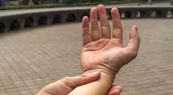 Drętwienie rąk. Zobacz jakie są przyczyny
