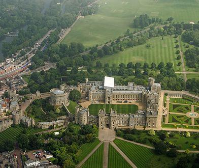 Zamek Windsor to jedno z miejsc, które trzeba odwiedzić będąc w Anglii