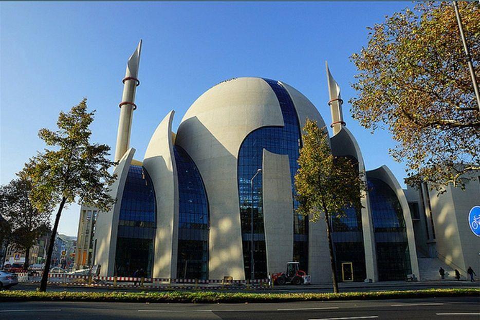 Wielki Meczet w Kolonii (FB/Islam, którego nie znasz)