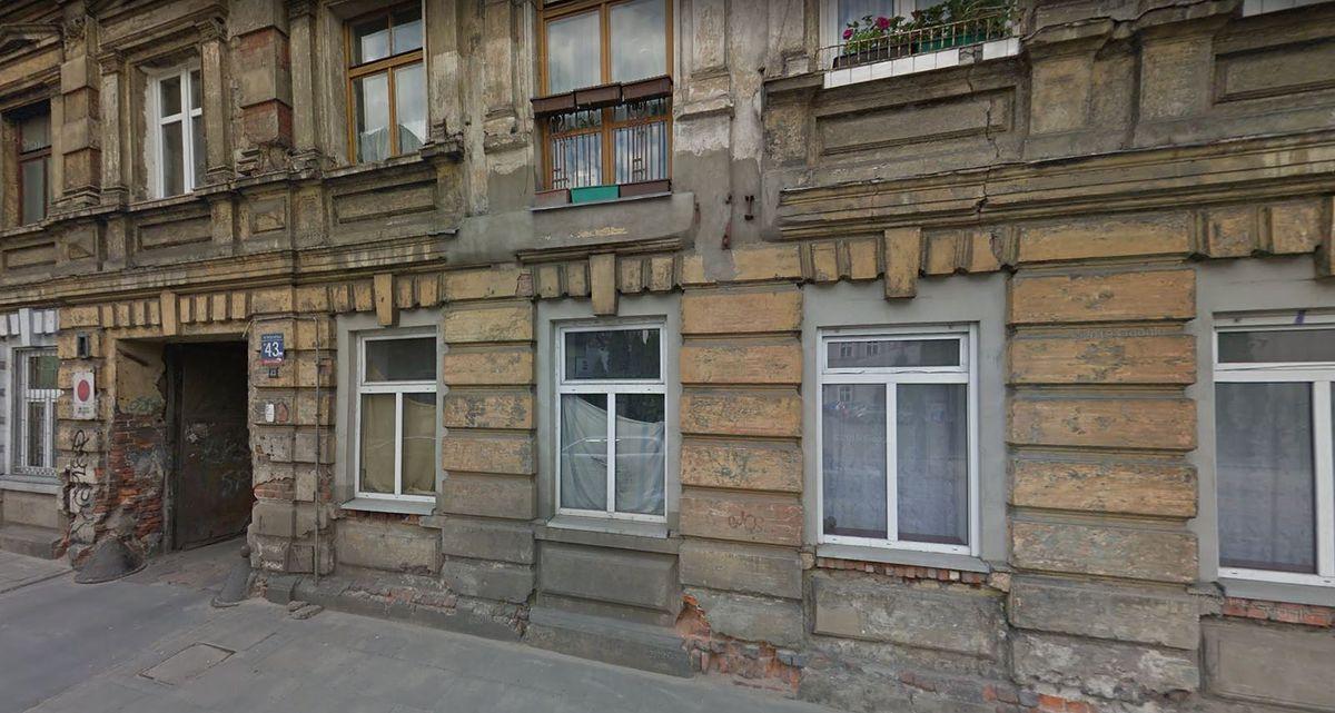 Łódź. W kamienicy przy ul. Wólczańskiej zarwał się strop. Potem zaczęły pękać ściany