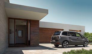 Samochód dla rodziny: minivan czy SUV? Wybieramy najlepszy duży samochód rodzinny