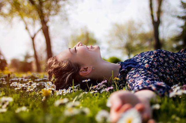 Dzień Pozytywnego Myślenia. Dlaczego warto myśleć pozytywnie i być optymistą?