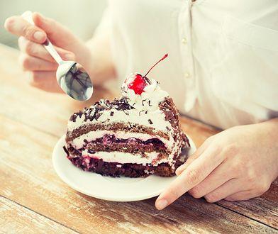 Ginekolog ma dobrą wiadomość dla karmiących mam. Ucieszą się fanki słodyczy!