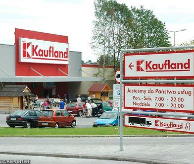 Alarm bombowy w Kauflandach w trzech miastach. Ewakuowano kilkaset osób