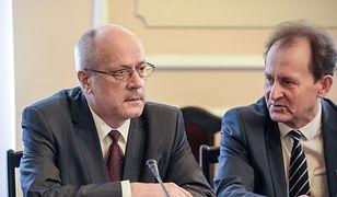 Prof. Zbigniew Jędrzejewski (z lewej)