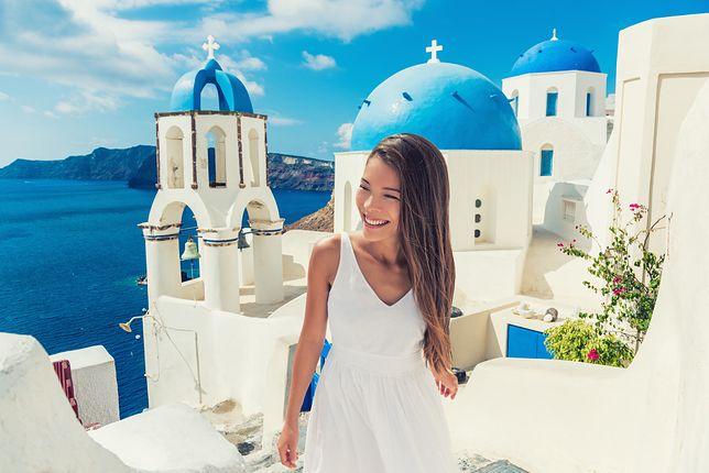 Warszawa. Wielu klientów biura podróży musi zweryfikować swoje plany na realizację marzeń o greckich wakacjach. 69 turystów, przebywających na wyjazdach wróci do kraju do 15 września, 250 natomiast nie wyjedzie, lecz dostanie zwrot pieniędzy i