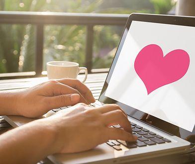 Walentynki 2020. Paypal: aż 40 procent prezentów kupowanych jest online