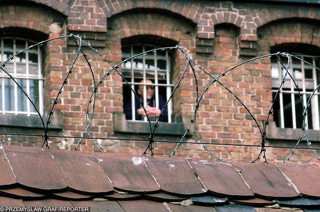 """""""Kryminał Wronki"""" to mroczna opowieść o życiu więźniów - recydywistów w największym zakładzie karnym w Polsce"""