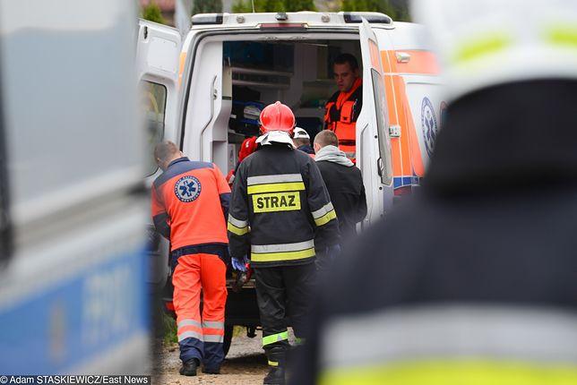 Podpalenie windy w bloku. 11 osób w szpitalu, kilkadziesiąt ewakuowanych
