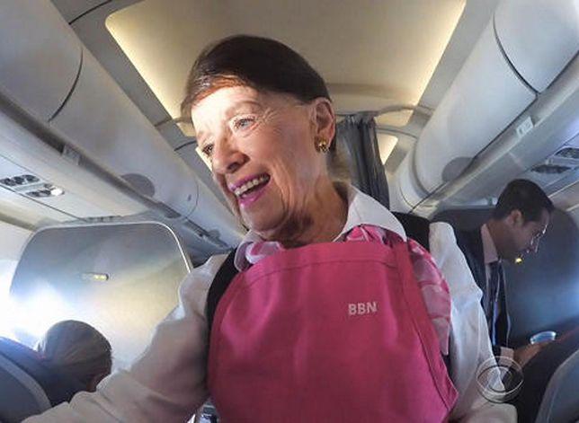 Babcia w przestworzach. Po 60 latach pracy jako stewardessa o ludziach może powiedzieć jedno