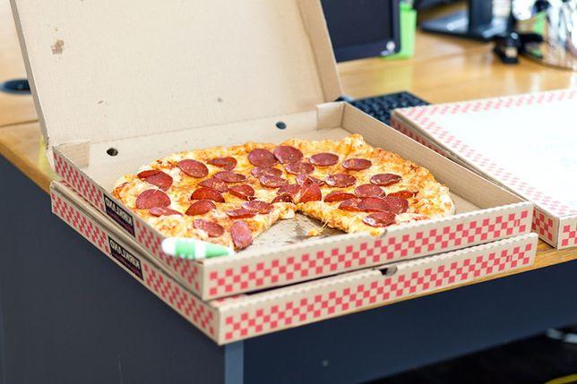 Dostawcy pizzy przyznają się do tego, że zdarza im się podjadać przewożone jedzenie
