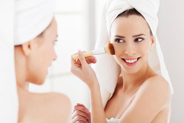 Dobór odpowiedniego odcienia podkładu jest kluczowy dla całego makijażu