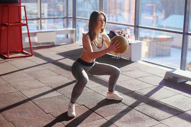 Ćwiczenia na mięśnie ud warto łączyć z treningami cardio.