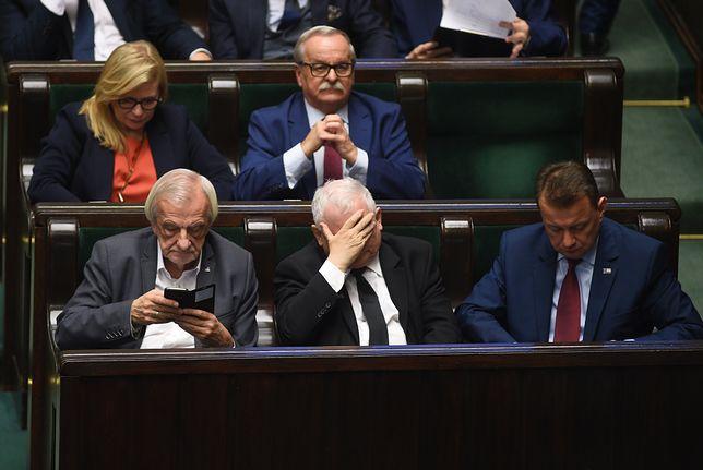 """Komisja Europejska zaskoczyła PiS. Rząd liczy, że TSUE powie """"nie"""""""