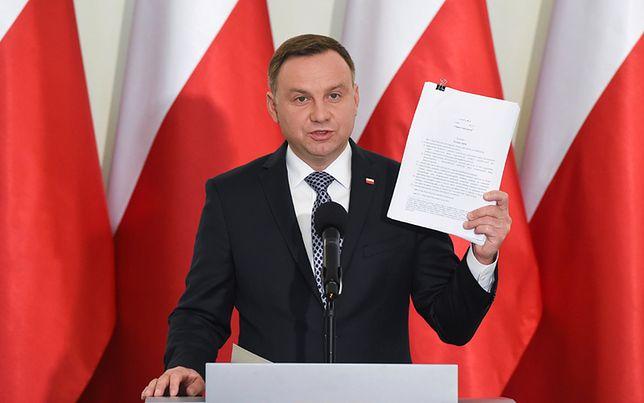 Prezydent Andrzej Duda podczas oświadczenia dla mediów ws. ustaw reformujących sądy