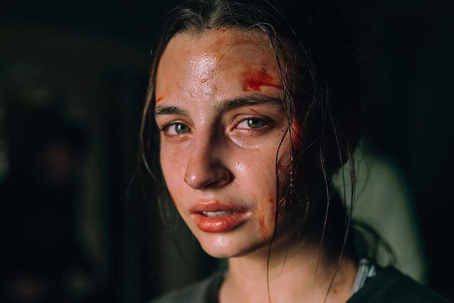 """W horrorze """"W lesie dziś nie zaśnie nikt"""" jedną z głównych ról gra Julia Wieniawa"""