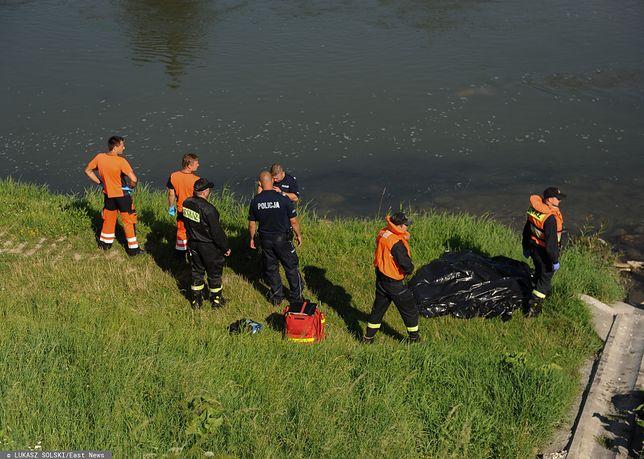 Tragedia w Rupniowie. Zwłoki 68-latka w potoku (zdjęcie ilustracyjne)