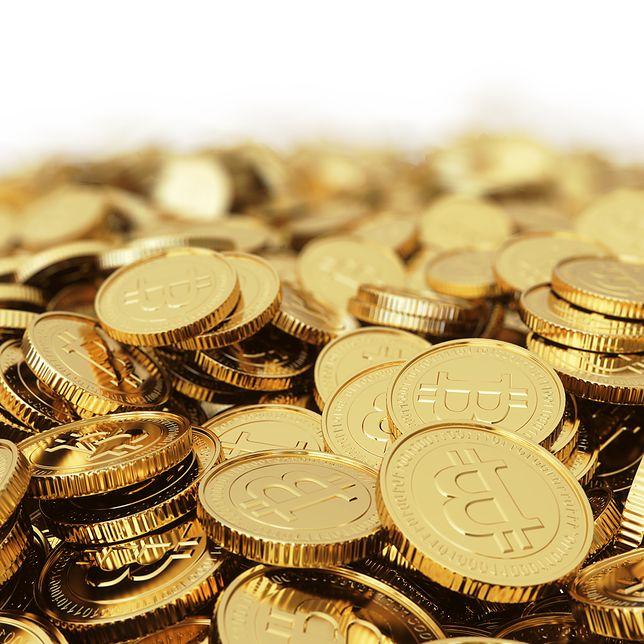 Stos monet bitcoin.