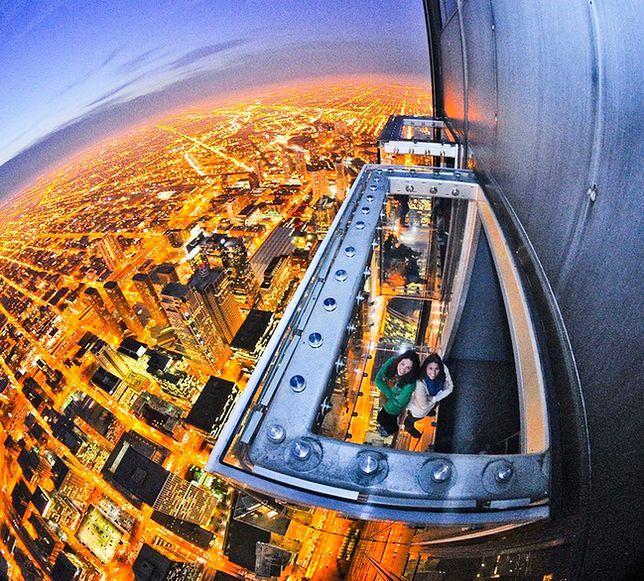 Chicago - szklana platforma widokowa pękła pod turystami!