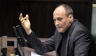 Paweł Kukiz musi stale pouczać swoich posłów, inaczej rzucają się na publiczne pieniądze