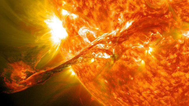 Potężna burza magnetyczna mogłaby pozbawić ludzkość prądu na lata
