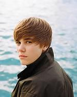 Justin Bieber obrzucony jajkami