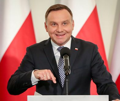 Prezydent Andrzej Duda wygłasza oświadczenie ws. projektów ustaw o Sadzie Najwyższym i Krajowej Radzie Sadownictwa