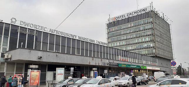 Turyści oraz mieszkańcy stolicy będą musieli poczekać jeszcze wiele lat, zanim skorzystają z nowoczesnego i komfortowego dworca