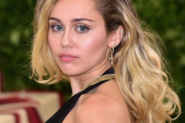 Wmawiają ciążę Miley Cyrus. Gwiazda odpowiada na gratulacje