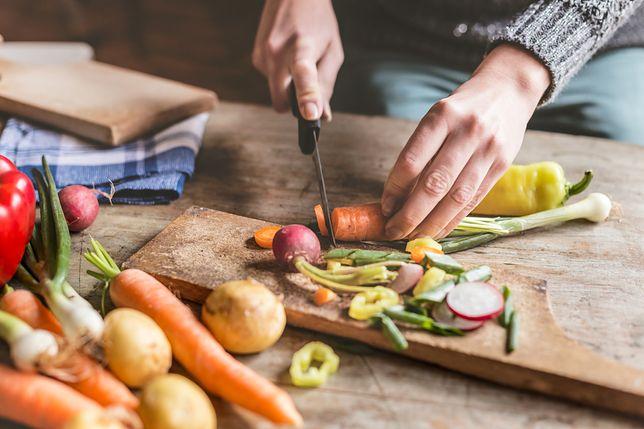 Mniej kalorii w diecie to wolniejsze starzenie ciała