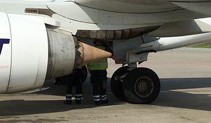 Samolot po powrocie na lotnisko w Warszawie