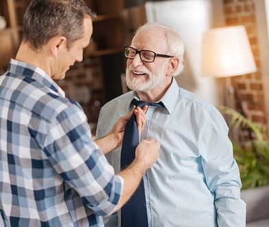 Warto kupić dziadkowi elegancki dodatek, np. krawat