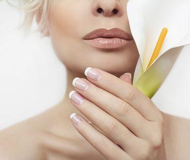 Frezarka do paznokci sprawdzi się także przy paznokciach hybrydowych, żelowym manicure czy akrylu