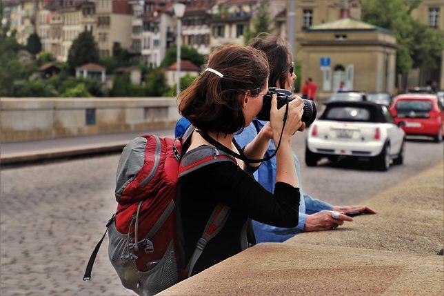 Zagraniczne wakacje i bezpieczeństwo - jak to połączyć?