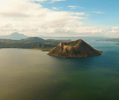 Największa wyspa Azji. Natura potrafi zaskakiwać
